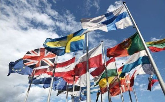 flags-of-european-union-580x358